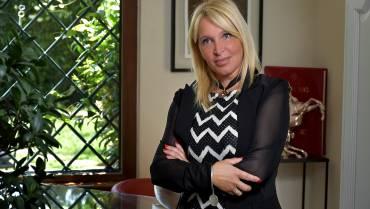 """"""" Alessandra Fioretti, psicologa, psicoterapeuta, psicologa dello sport e mental trainer, ribalta i luoghi comuni sulla professione dello psicoterapeuta """""""